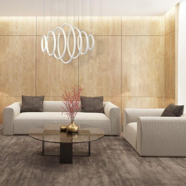 Pomieszczenie z lampą, która ma 7 pierścieni w różnych wielkościach